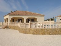 Private Villa with pool and central heating (5)